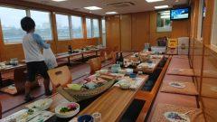 初の屋形船で食事会